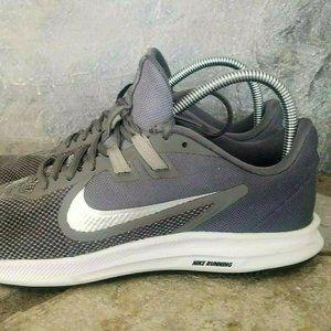 Women's Sz 10 Nike Downshifter 9 Running Shoes